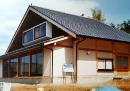 自然を借景する家